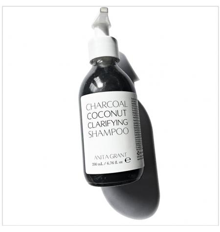 Charcoal coconut Clarifying Shampoo · 200 ml
